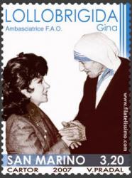 Fotografía de Gina junto a la Madre Teresa de Calcuta.